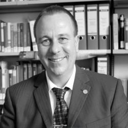 Foto Prof. Dr. Oliver Stoll