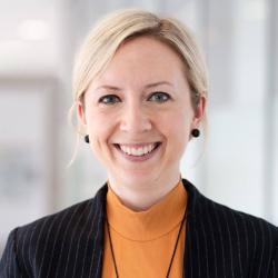 Dr. Hanna Dölling