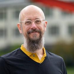 Dr. Michael Harnischmacher