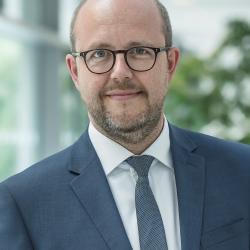 Dr. Thomas Metten