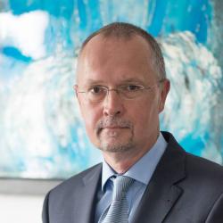 Dr. Steffen Wawra