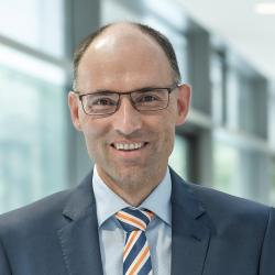 Dr. Günther Hribek