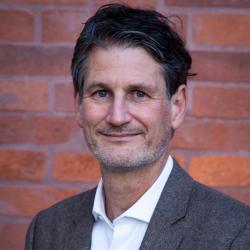 Prof. Dr. Tomas Kuhn