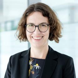 Dr. Kerstin Theis